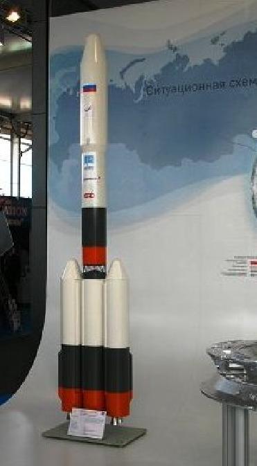 Zrušená raketa Rus-M