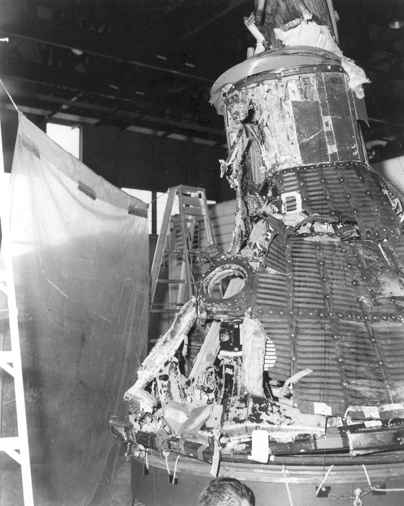 Zrekonstruované trosky kabiny Mercury po letu MA-1.