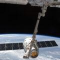 Kosmická loď Dragon u ISS