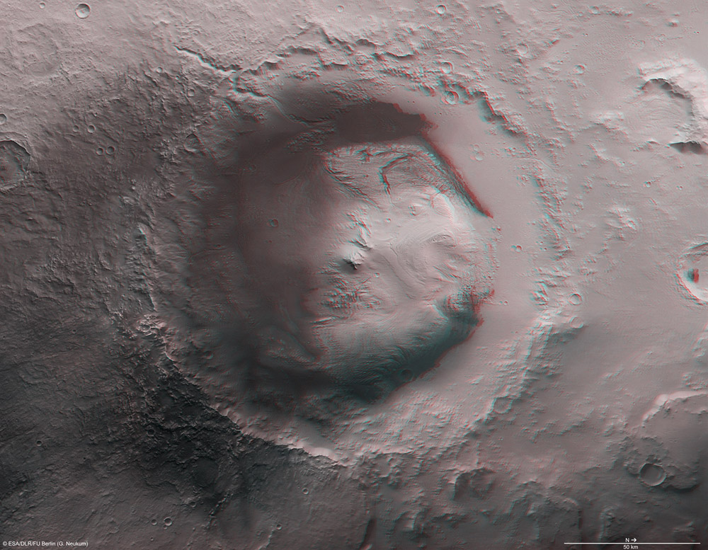 Pracoviště vozítka Curiosity - gigantický kráter Gale při pohledu z oběžné dráhy