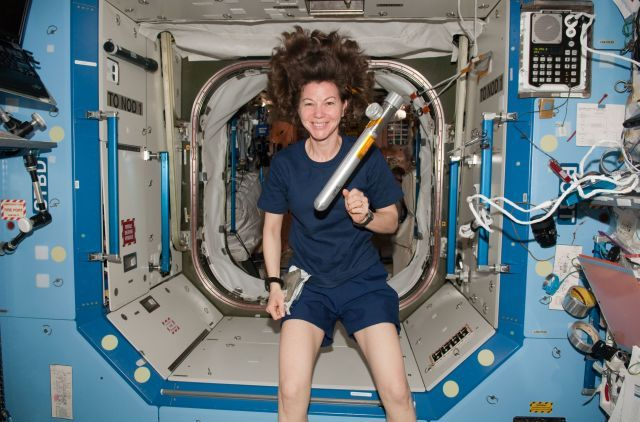 Astronautka NASA Catherine Coleman a její nezbedné vlasy