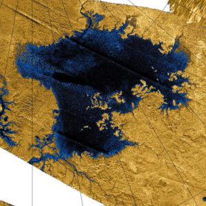 Jezero Ligeia mare - snímek ve falešných barvách je složený z fotek z družice Cassini