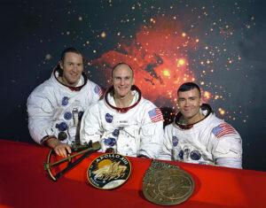 Původní posádka Apolla-13: zleva Lovell, Mattingly, Haise