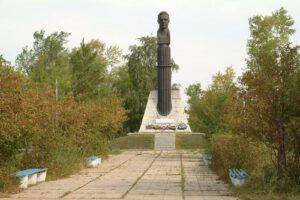 Monument na místě tragického ukončení mise Sojuzu-1
