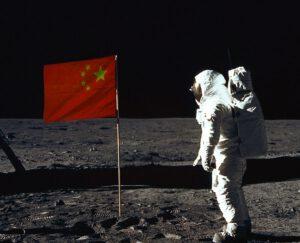Zavlaje na Měsíci čínská vlajka?