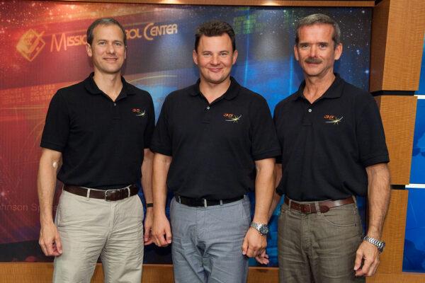 Posádka lodi Sojuz TMA-07M. Zleva - Thomas Marshburn - Roman Romaněnko - Christopher Hadfield