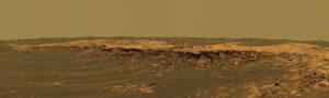 Okraj kráteru Erebus. Opportunity do neho nakoniec nevošla a pokračovala ďalej ku kráteru Victoria.
