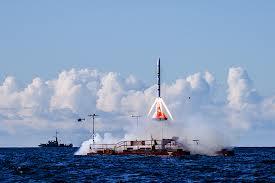 Kapsula Tycho Deep Space I pri teste záchrannej vežičky LES (Launch Escape Tower).