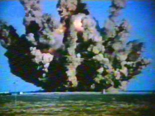Výbuch čínskej rakety CZ-1.