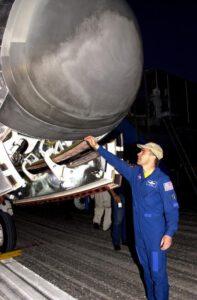 Poletová obhlídka raketoplánu po misi STS-109