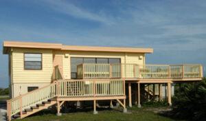Legendární Beach House byl nedávno renovován...