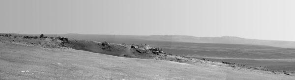 Fotografia vytvorená na mieste Spirit Point. Prvý obrázok zhotovený v kráteri Endavour.