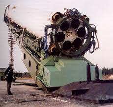 Raketa Cyklon na odpaľovacej rampe.