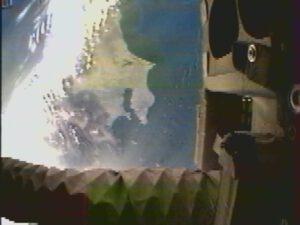 Snímek z kamery na konci ramene robota pořízený 6.března 2013 zdroj:jaxa.jp