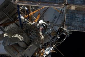 Fotografie z posledního výstupu z ISS.