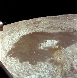 Kráter Ciolkovskij na odvrácené straně Měsíce