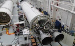 Dvojice motorů AJ-26 na kapalný kyslík a petrolej, které budou pohánět první stupeň rakety Antares.