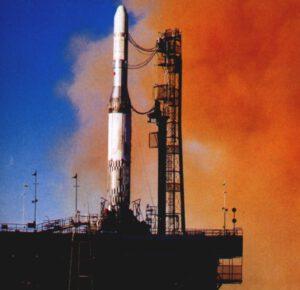 Při první testovacích letech rakety Europa byl aktivní pouze první stupeň z upravené rakety Blue Streak, druhý i třetí stupeň byly pouze makety.