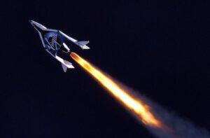 SpaceShipTwo při zážehu hybridního motoru