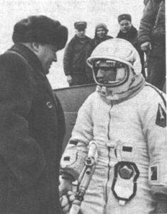 Rozmluva Koroljova a Leonova před startem Voschodu-2