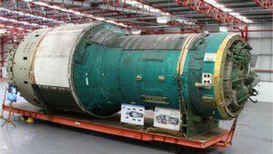 Stanica Almaz-3 alebo Saljut-5 po dokončení vo výrobnej hale.