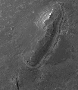 Trasa, ktorú Opportunity prešla od príjazdu ku kráteru Endavour. Na odrázku vidíte Matijevic Hill.