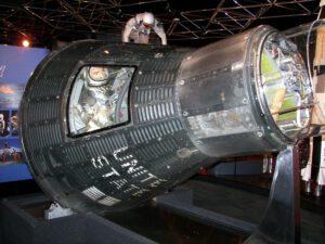 Loď Mercury vystavená v múzeu.