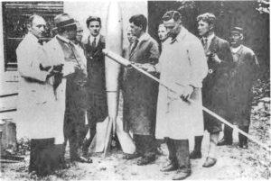 Hermann Oberth a von Braun s členy týmu VfR Zdroj: http://www.matrix-2001.cz