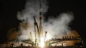 Sojuz TMA-09M startuje