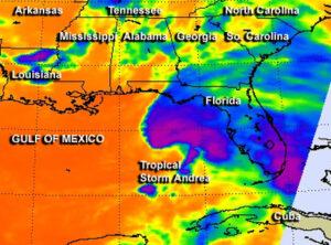 Snímek z družice Aqua - teplotní rozdíly jsou vidět na první pohled.