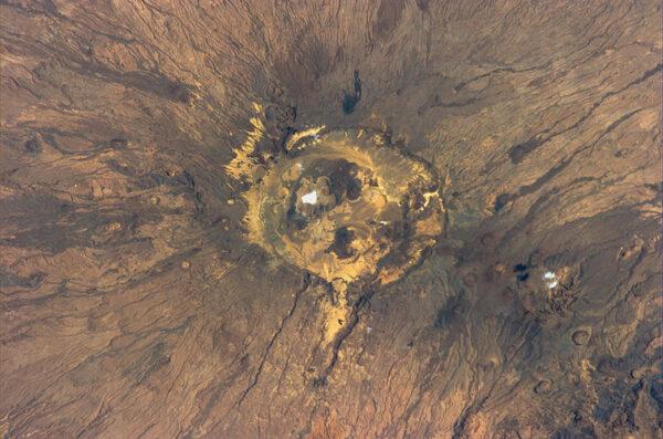 Neobvyklá skalní formace v Lybii.