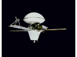 Kompletná sonda Viking. Hore puzdro s landerom (Aeroshell)