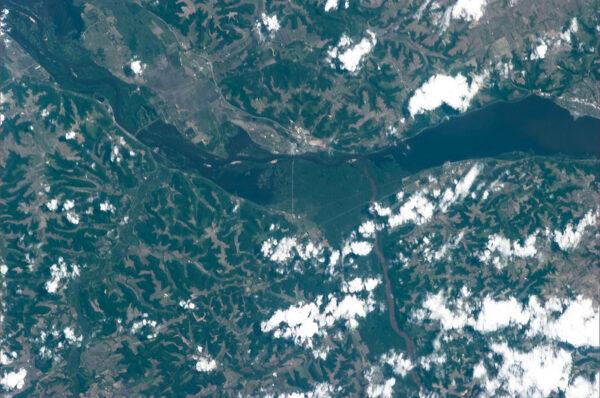 Majestátní řeka Mississippi protékající státem Wisconsin