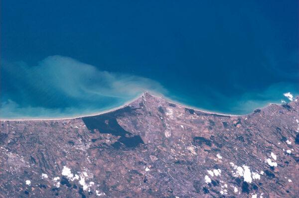 Italské pobřeží na jih od Říma.