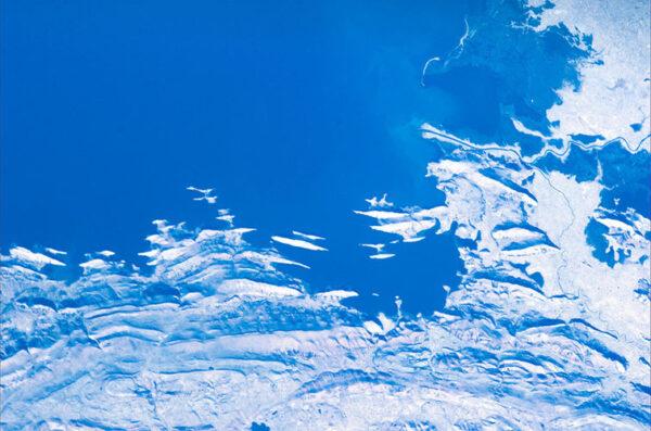 Pobřeží jezera Titicaca