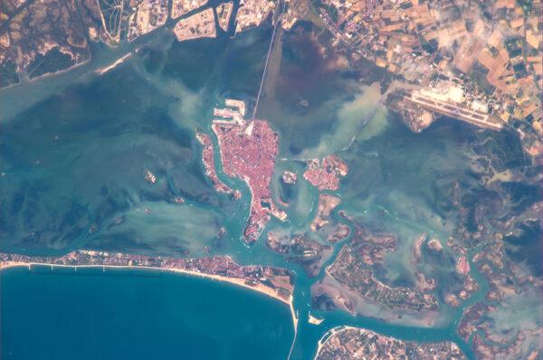 Benátky a neodmyslitelná laguna.