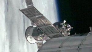 Progress M-20M dokuje u ISS