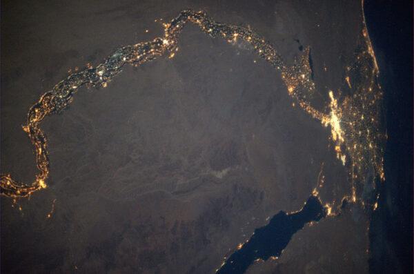Noční Egypt a delta Nilu