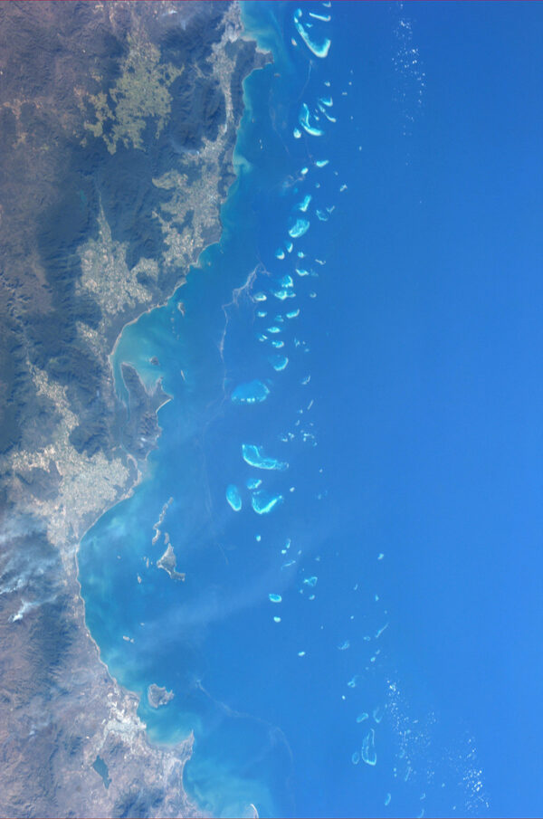 Velký bariérový útes u australského pobřeží.