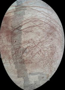 Europa s několika zakomponovanými detailními pohledy zdroj:nasa.gov