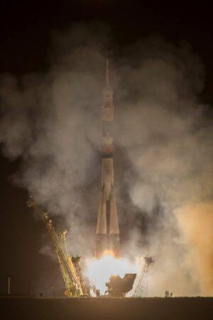 Startující raketa Sojuz s kosmickou lodí Sojuz TMA-10M