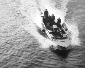Očenáškův raketový člun při zkouškách (1933-1935)