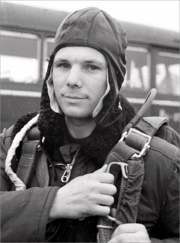 Gagarin během parašutistického výcviku na základně Engels