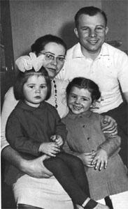 Kompletní rodina Gagarinových