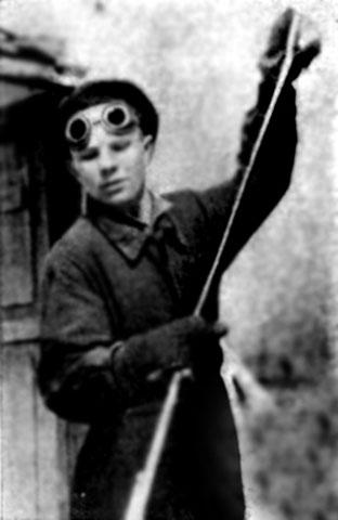 Gagarin coby slévárenský učeň