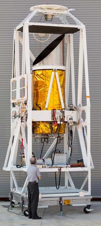 0,8 metrový teleskop projektu BRISSON vybaven dvěma kamerami (pro UV/viditelné a IR spektrum), snímky může v reálném čase pořizovat vždy pouze jedna z kamer.