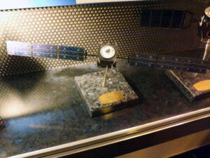 Model družice SMART pro průzkum Měsíce