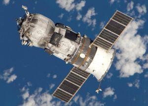Ruská loď Progress M-52 sa pripája k ISS.