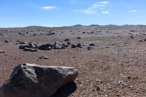 Skály v Atacamě. Krajina připomíná Mars i tím, že je jednou z nejsušších na Zemi. zdroj:esa.int