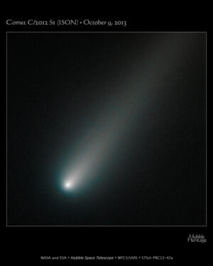 Snímek z HST ve viditelném světle z 9. října.